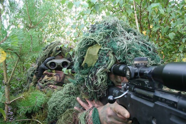 Royal Netherlands Army sniper cell assigned to 13 Gemotorizeerde (Motorized) Brigade during training in Germany.