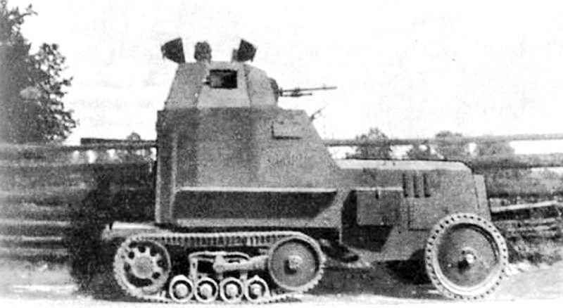 Samochód pancerny  wz. 28  ' Polish medium   armoured car mod 1928  .  Based on French-built Citroën-Kegresse B2 10CV half-track chassis ,  Poland 1933