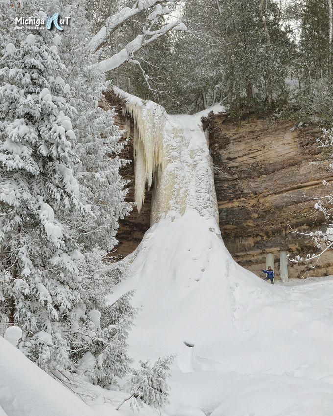 Wintertime At Munising Falls Michigan Waterfalls Munising Falls Pictured Rocks National Lakeshore