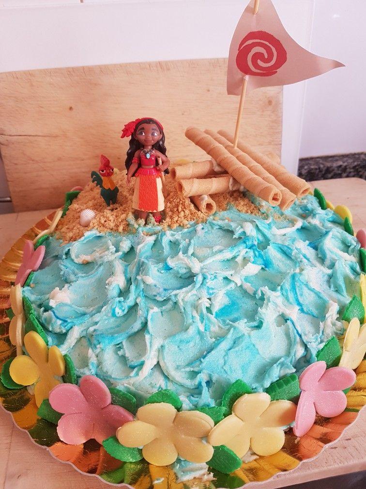 I made this moana cake for roxys 8th birthday barbie