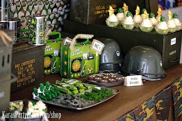 Military birthday party food ideas army camouflage for Army party decoration