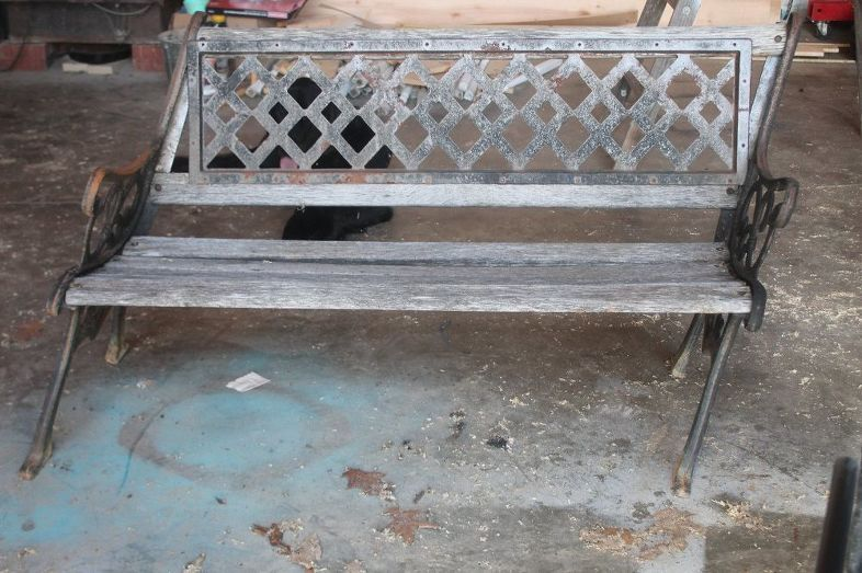 Upcycled Old Garden Bench Makeover Idea Diy Old Benches Diy Chair Iron Bench