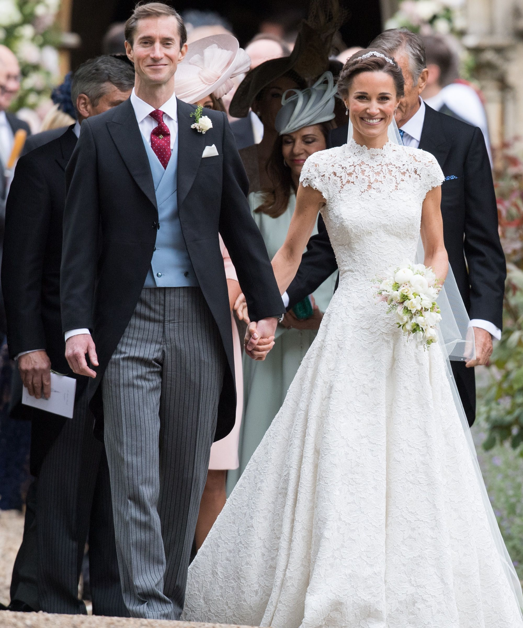 You have to see pippa middletonus stunning lace wedding gown lace