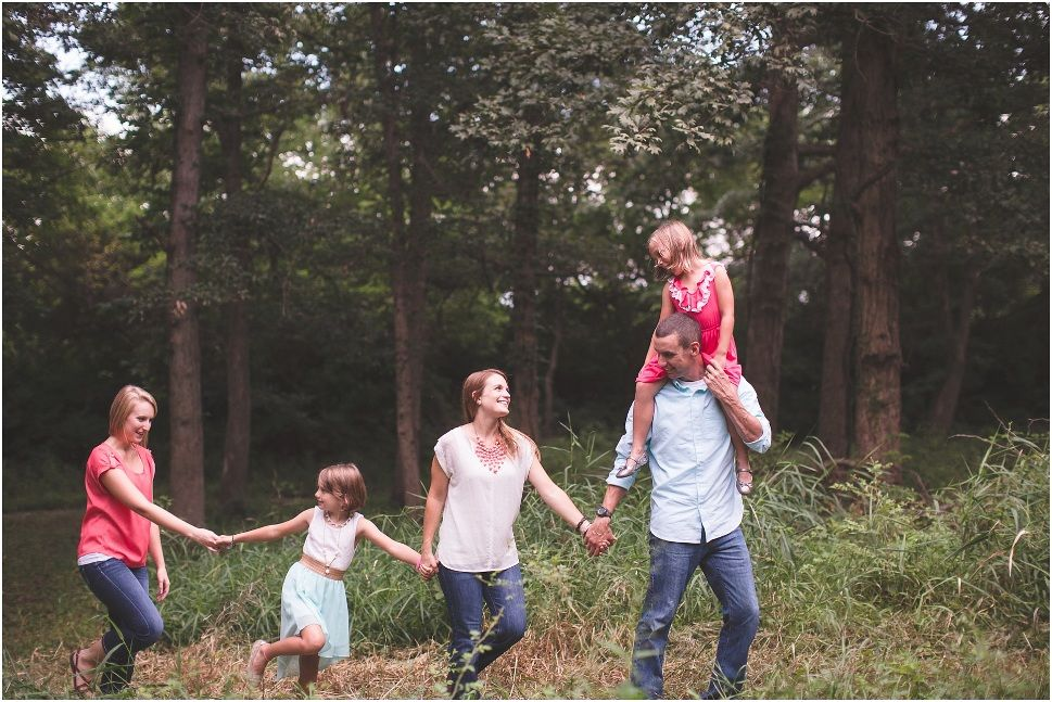 Outdoor Lifestyle Family Session In Forest Natural Family Photography Posing Photography Poses Family Family Photography Natural Family Photography