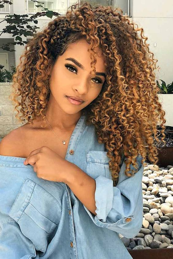 42 Cute Natural Curly Hairstyles For Long Hair 2019 Em 2020 Cabelo Fotos Tumblr Cabelo Cacheado Mechas Cabelo Cacheado