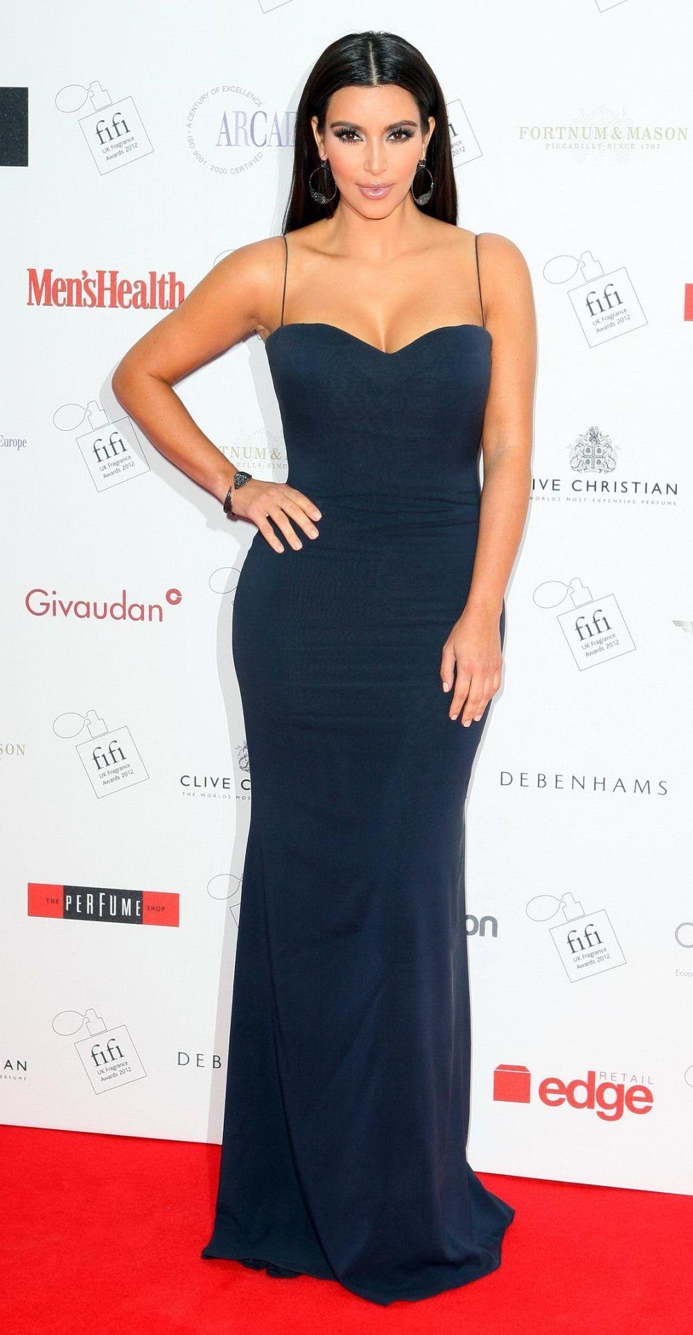 Pin von Fashion Dolling auf Kim Kardashian | Pinterest