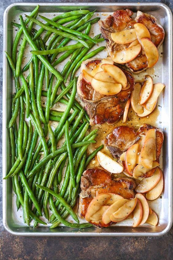 Baked Apple Pork Chops and Green Beans #quickandeasydinnerrecipes