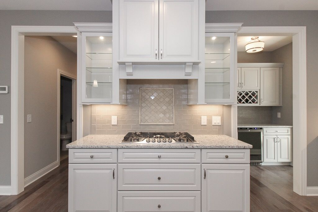 Kraftmaid Moonshine Kitchen Cabinets And Feature Mosaic Tile