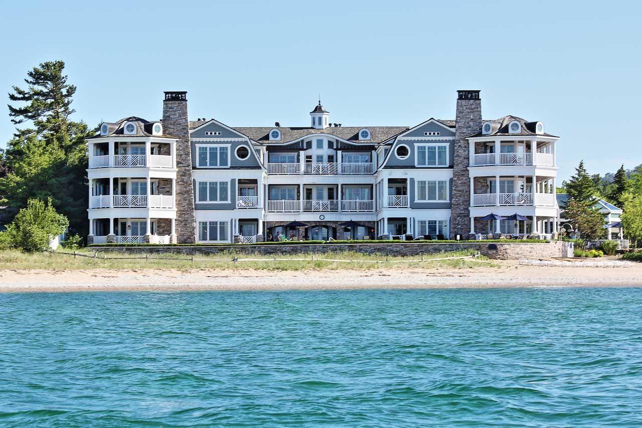 Lebear Resort Luxury Beachfront Living In Glen Arbor Michigan