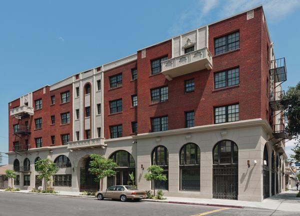 Historic L A Hotel Becomes Affordable Seniors Housing Los Angeles Hotels Hotel Dunbar