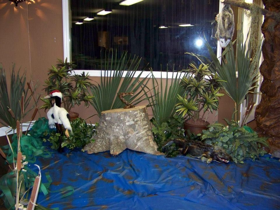 part of the swamp scene I created for a swamp party Halloween - halloween class decoration ideas