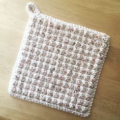 Simple Puffy Pot Holder #crochetpotholderpatterns