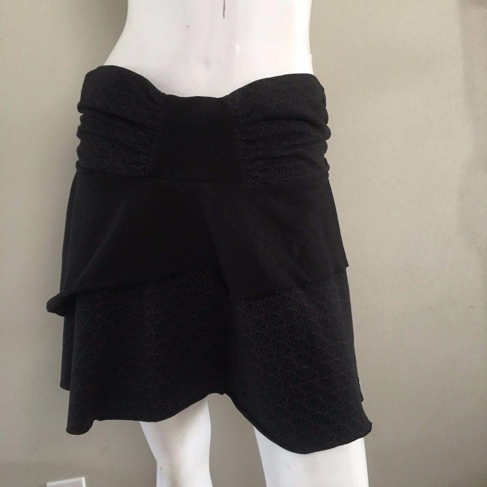 Westbeach Tennis Skirt Black Grey Size Med EUC quality fabric geometric print  #Westbeach #Skirt