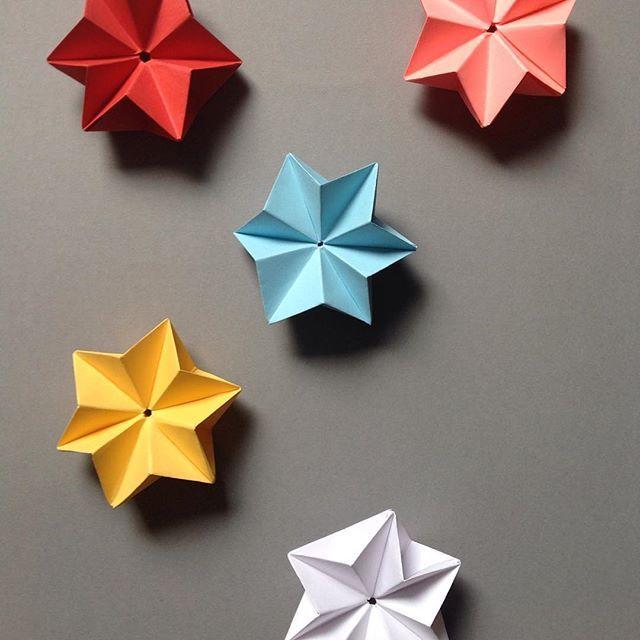 3D stars for christmas sneak peak #ludorn #paper #pastel #paperart #origami #folding #folia #star #stars #christmas #decor #decoration