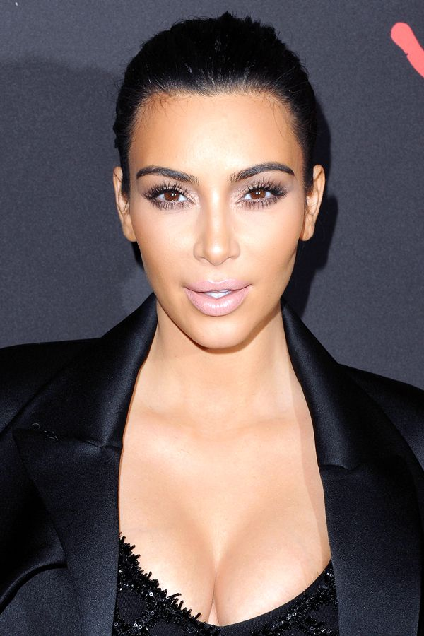 9 Go-To Trends, Upgraded For 2015 #refinery29  http://www.refinery29.com/new-beauty-trends-2015#slide-17  Then: Krazy Kontouring  Thank the sisters Kardashian for this one. Contouring gained an unbelievable following in 2014, with shading palettes flying off the shelves at Sephora and YouTube-tutorial mania rising to peak heights. Women mapped out their mugs and contoured themselves to sometimes magical, sometimes disastrous results.