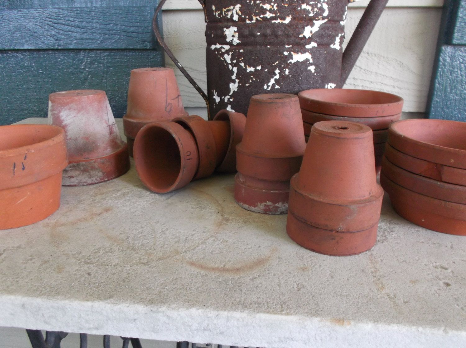 Lot 20 Pcs Vintage Small Terra Cotta Pots And Saucers For Indoor And Outdoor Planting Small Terracotta Pots Terracotta Pots Terracotta