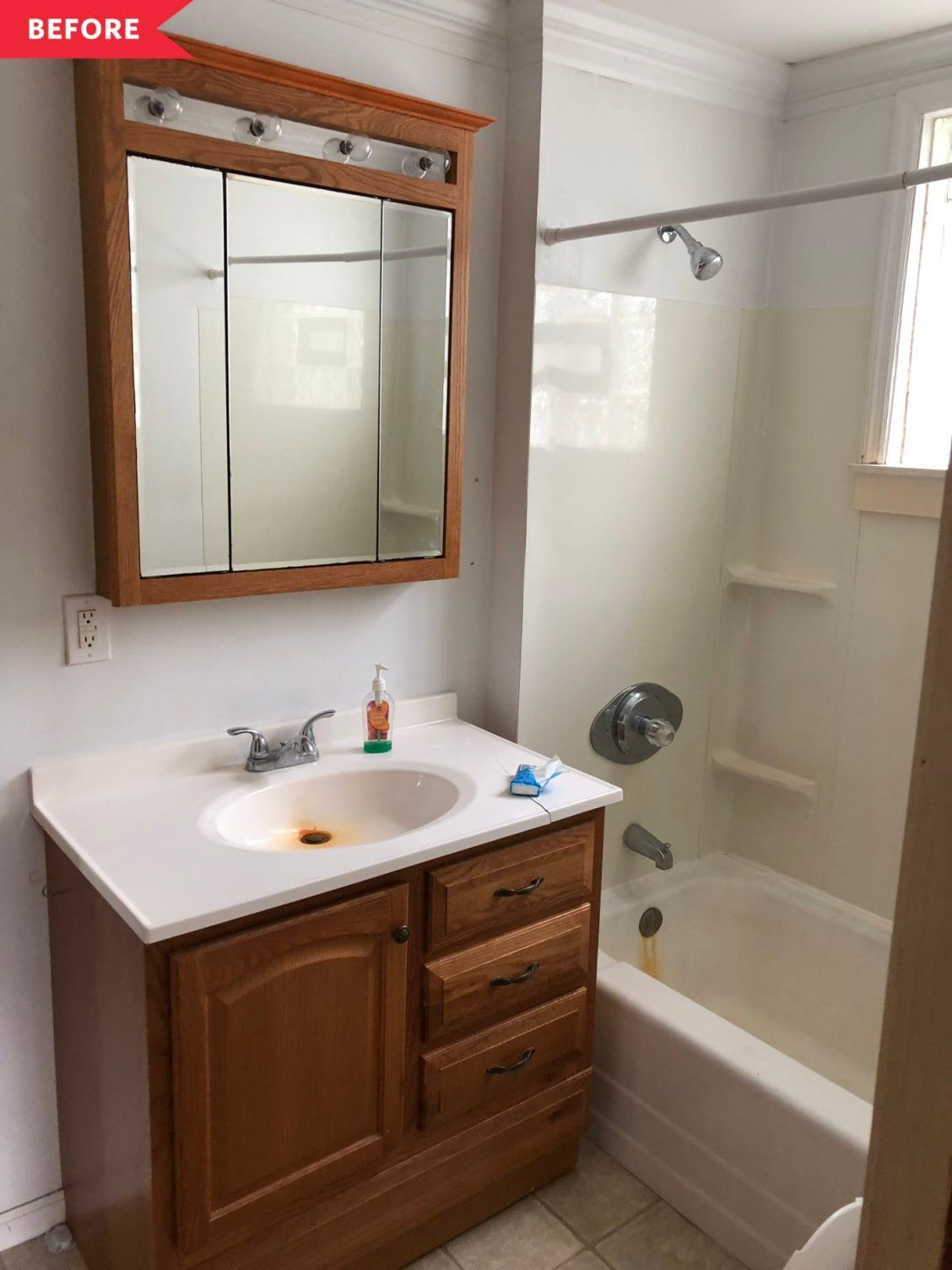 Before And After This Gorgeous Scandi Inspired Bathroom Redo Only Cost 500 Bathroom Redo Bathroom Interior Design Bathroom Design