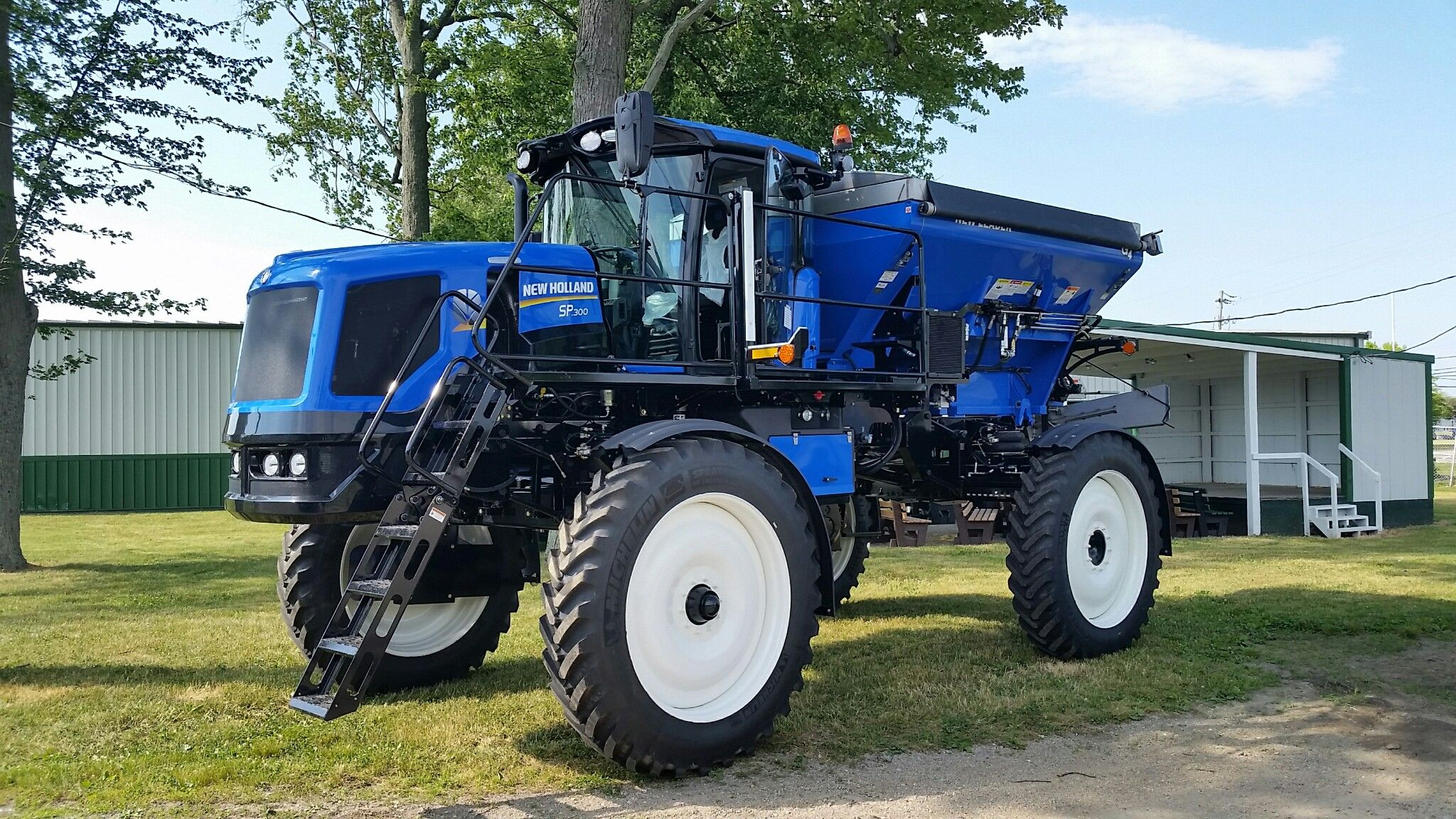 New Holland Launches Guardian My2016 Series Rear Boom Sprayers New Holland New Holland Agriculture New Holland Ford
