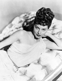 Ava Gardner In One Touch Of Venus 1948 Mit Bildern Ullstein