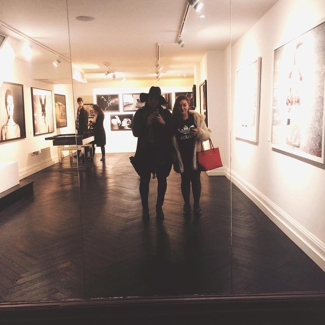 #england #london #exhibition #art #tylershields #girls #mirror #photography #photographer #museum by hypehaz
