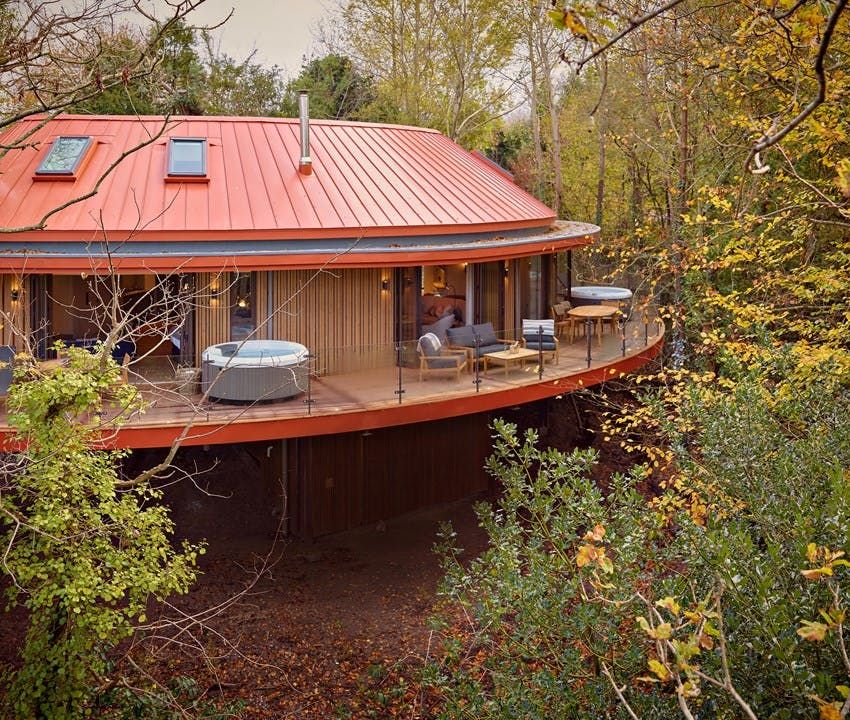 Cabins And Treehouses To Snuggle Up In This Autumn Treehouse