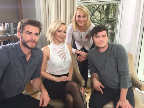 hanging out with cast of #MockingjayPart2 see interview on @BBCBreakfast Monday @louiseminchin #JenniferLawrence