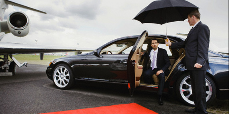 Black Limo Are One Of The Professional Airport Taxi Transfer Service Providers In The Richmond Hill Airport Car Service Airport Limo Service Chauffeur Service