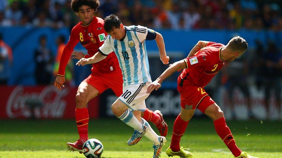 Lionel Messi Of Argentina Controls The Ball Lionel Messi Messi Fifa