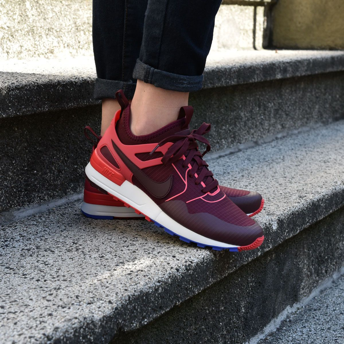 cheap for discount 0517c fe40b Nike Air Pegasus 89 Tech 🎀 Ladies, those Nikes will let you fly above the  streets