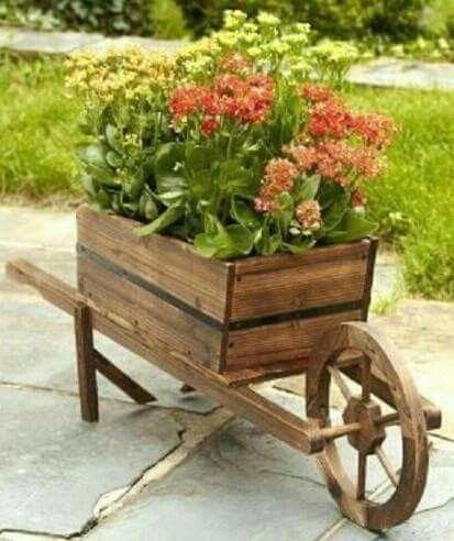 Wheelbarrow Planter Ideias De Jardinagem Jardins Elevados Carrinho De Mao De Madeira