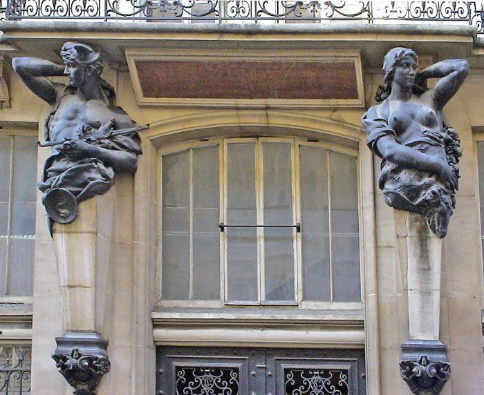 Cariatides Paris Rue des Petites Ecuries By Alainchant93