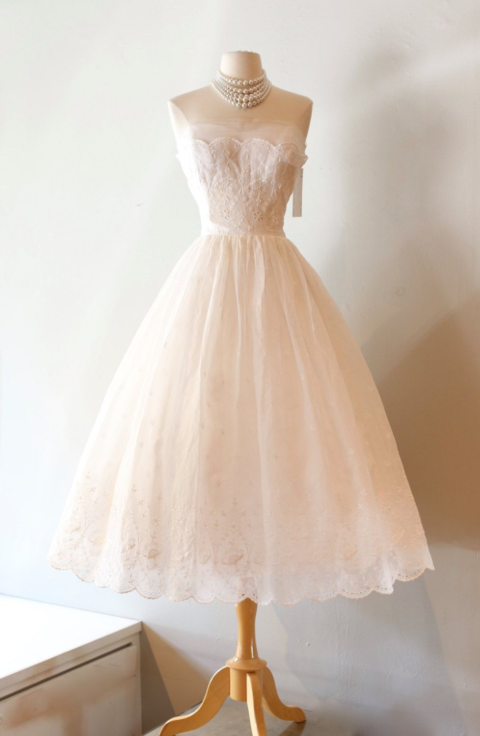 Vintage 1950s wedding dress vintage 50s eyelet lace for Vintage lace wedding dress pinterest