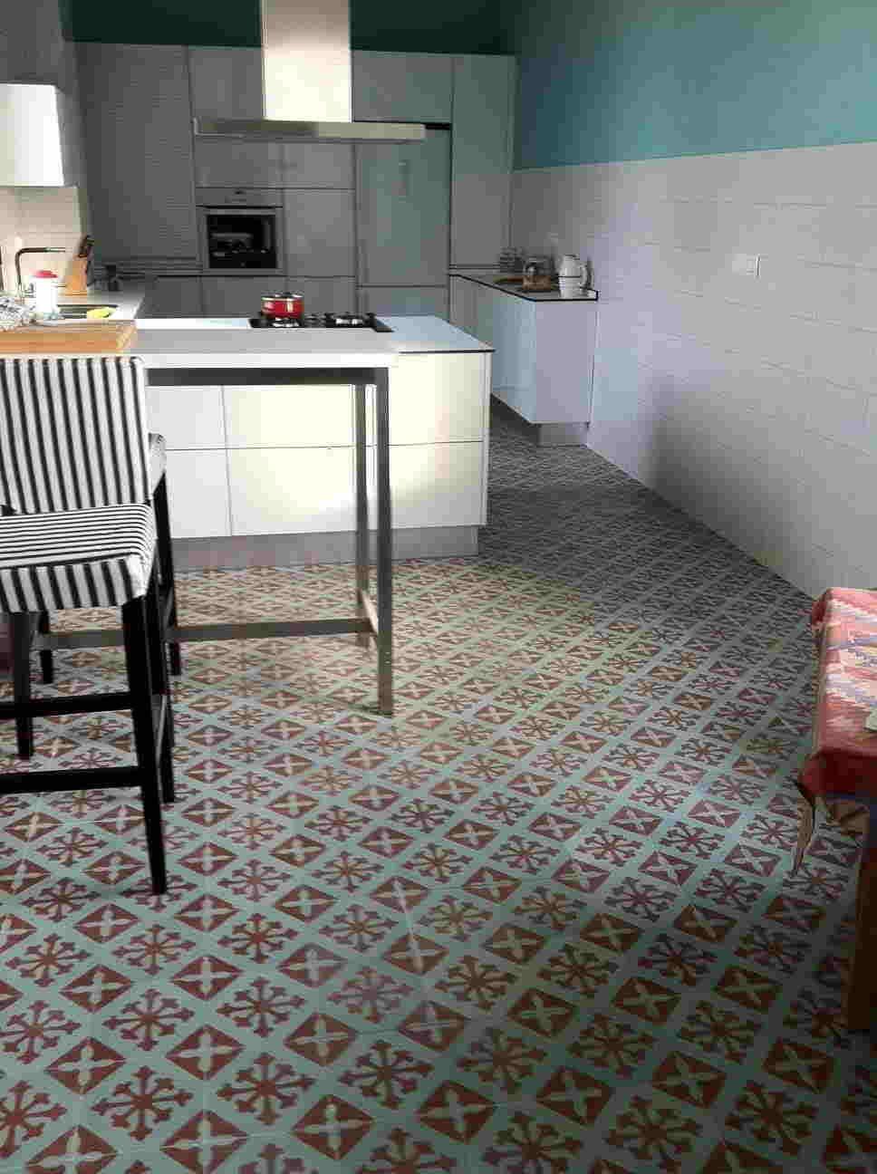 Suelo hidraulico exterior floors pinterest suelos - Baldosas suelo cocina ...