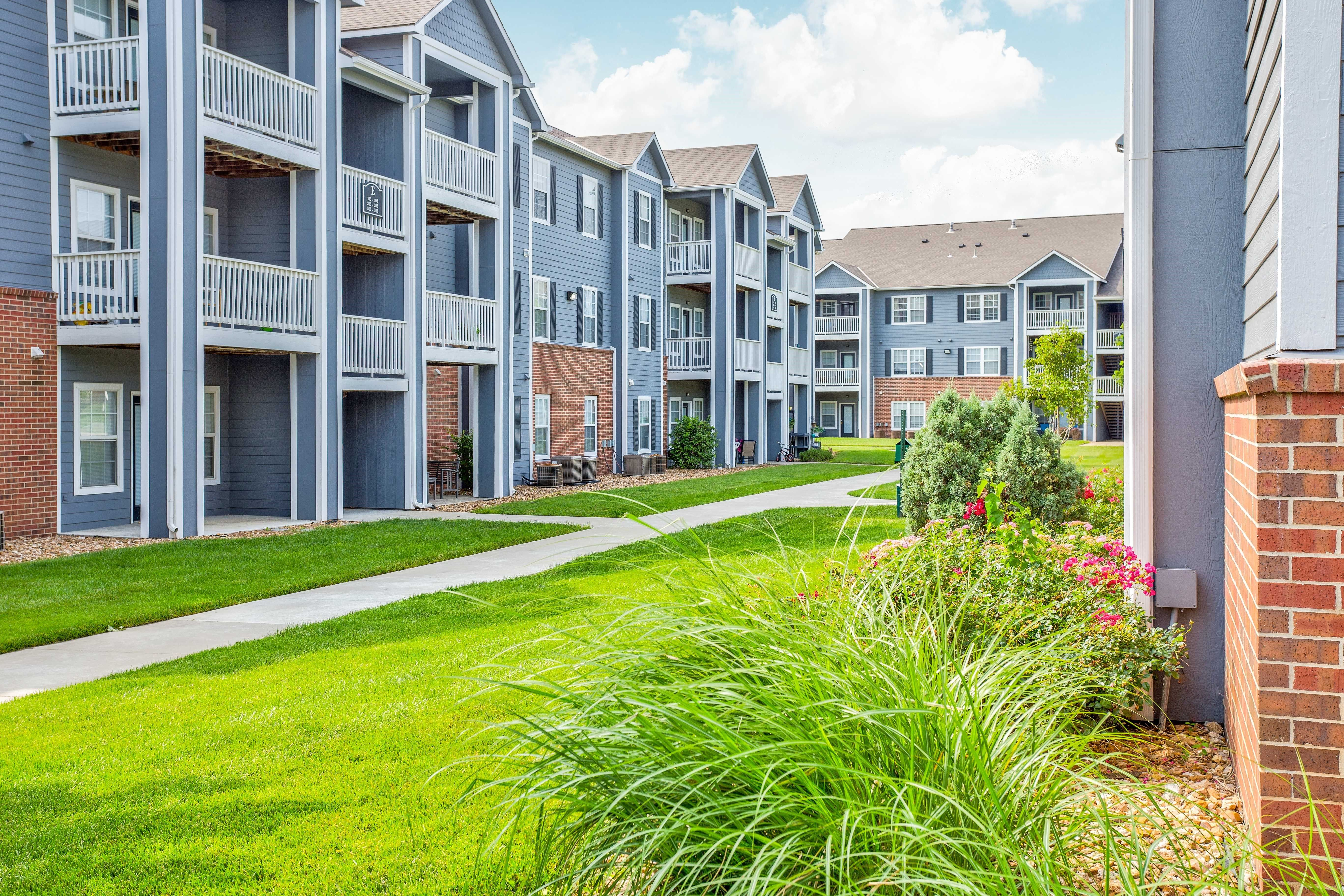 Parkway commons apartments outdoor decor outdoor building