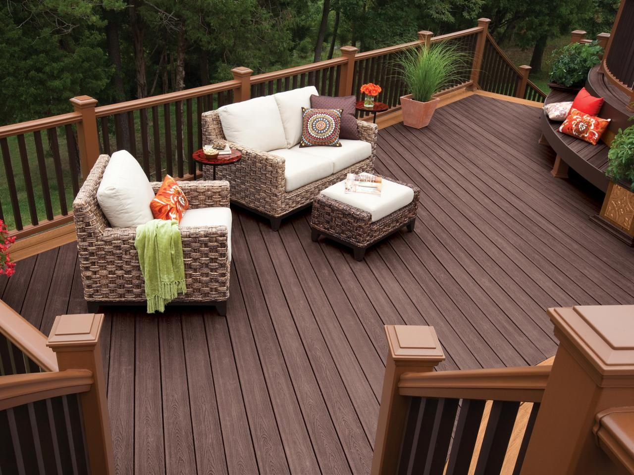 Relaxing Contemporary Deck With Wicker Furniture Patio Design Deck Makeover Deck Design