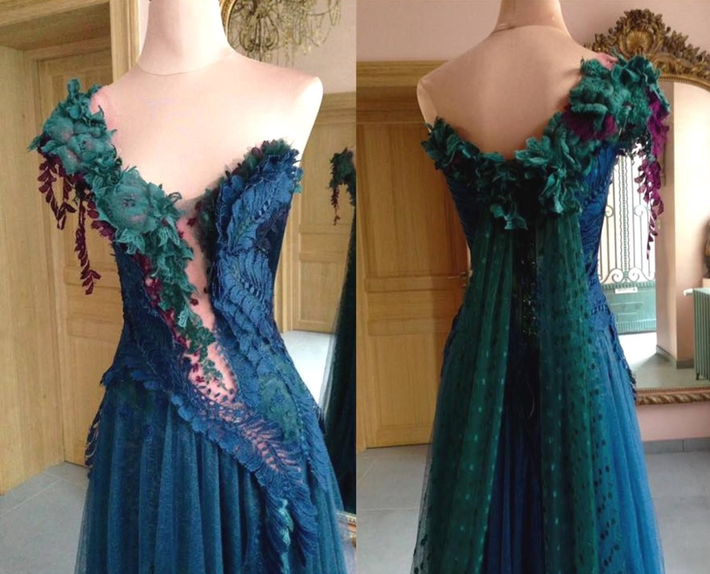 Stunning lace, tulle and organdy dress by Sylvie Facon. This dress took 180 hours to create and used 14 metres of lace to create.  Image and information courtesy of the great Gilliodts dentellières d'Hondschoote Facebook page. via Embroiderer's Guild of Victoria