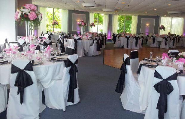 Dibble S Inn Wedding Venue Set Up Black And White Table Ideas