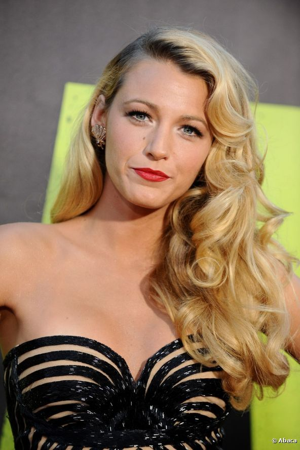 UniqueSide Hairstyles Tutorials 2012 Blake Lively Wore A Pretty Side Swept Hairstyle To The