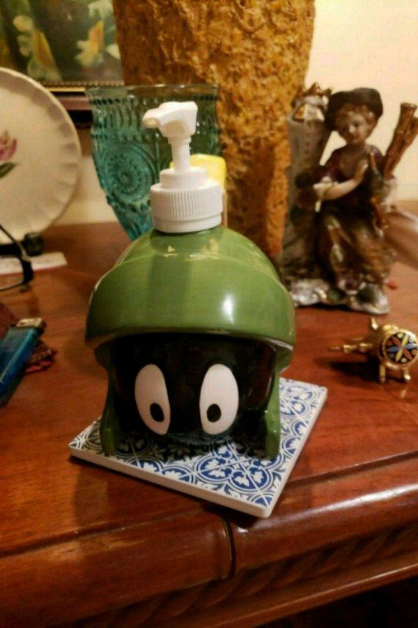1993 Marvin the Martian Soap Dispenser 30.00. Contact for