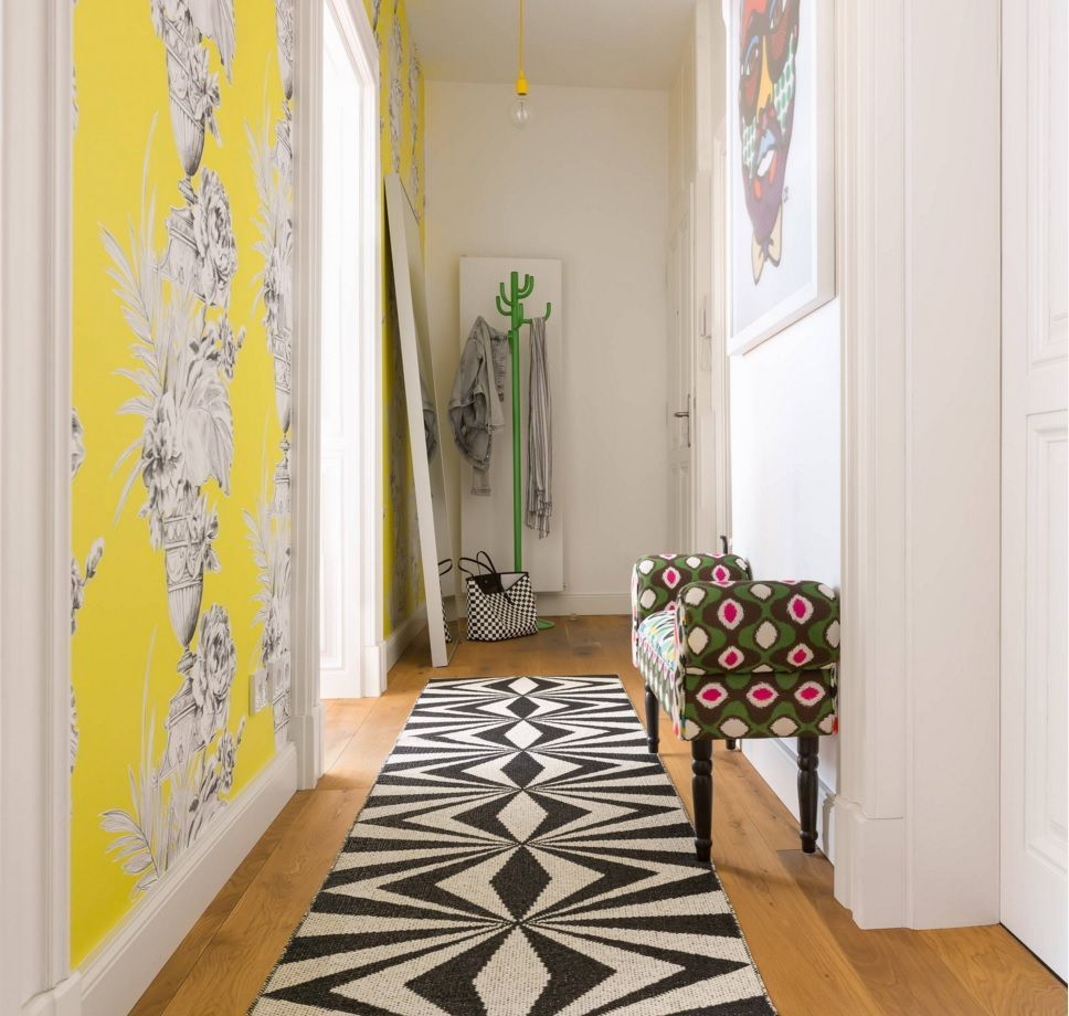 Yellow Accent Wall Yellow Accent Wall For The Small Apartment`s Hallway  Flur