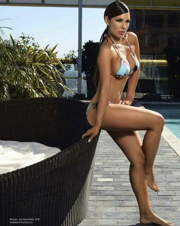 Swimsuit Editorial Spread 💕👙