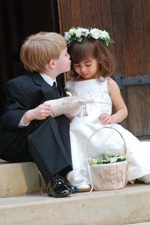 The little ones need to be included in capturing the moment. Have the ring bearer and flower girl share a special moment without the rest of the party! #ringbearer #flowergirl #photography