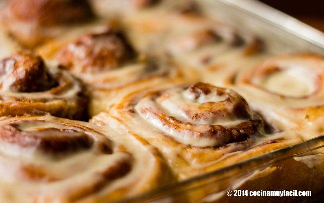 Roles de canela glaseados. Receta para Navidad   Cocina Muy Fácil   http://cocinamuyfacil.com