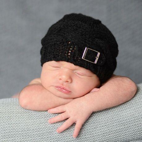 Gorro de crochet para bebé chico Gorrito hecho a mano para bebés recién  nacido en varios 68bc9c66948
