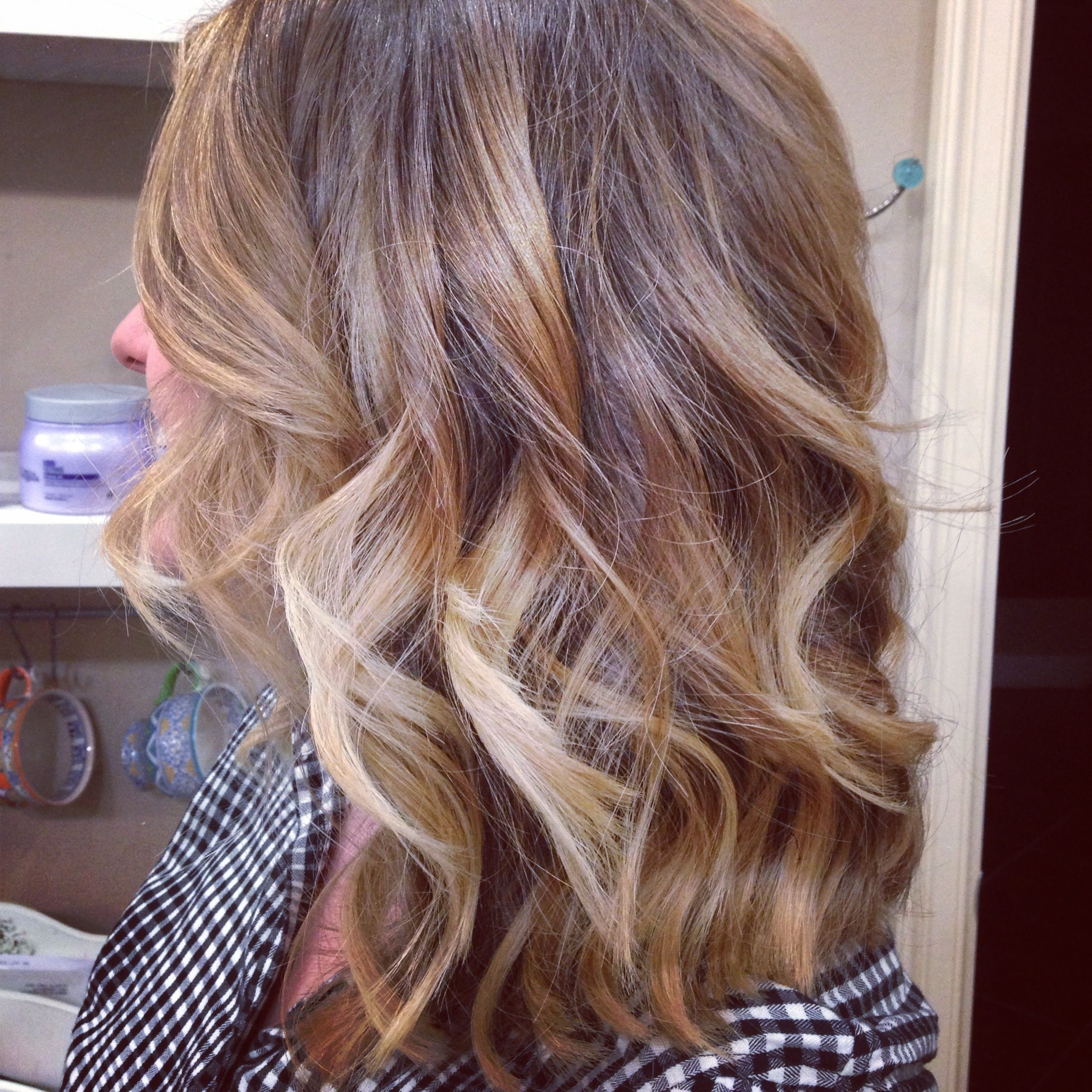 Ombre balyage clavical cut curls blond hair summer hair angled