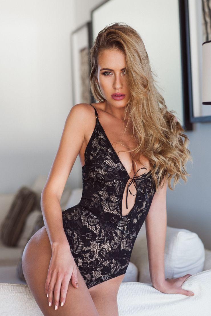 Renee Somerfield Nude Photos 49