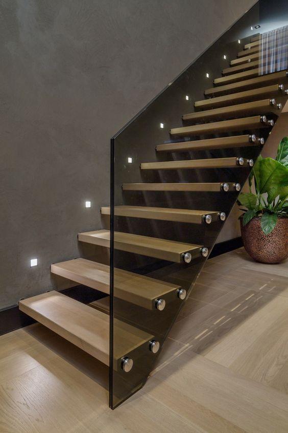 AuBergewohnlich Beleuchtung Treppenhaus Lässt Die Treppe Unglaublich Schön Erscheinen
