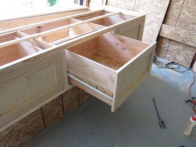 do it yourself divas: DIY: King Size Storage Bed Part 2 - Drawers ...