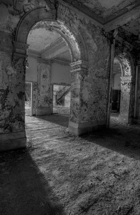 Abandoned school, Maryland