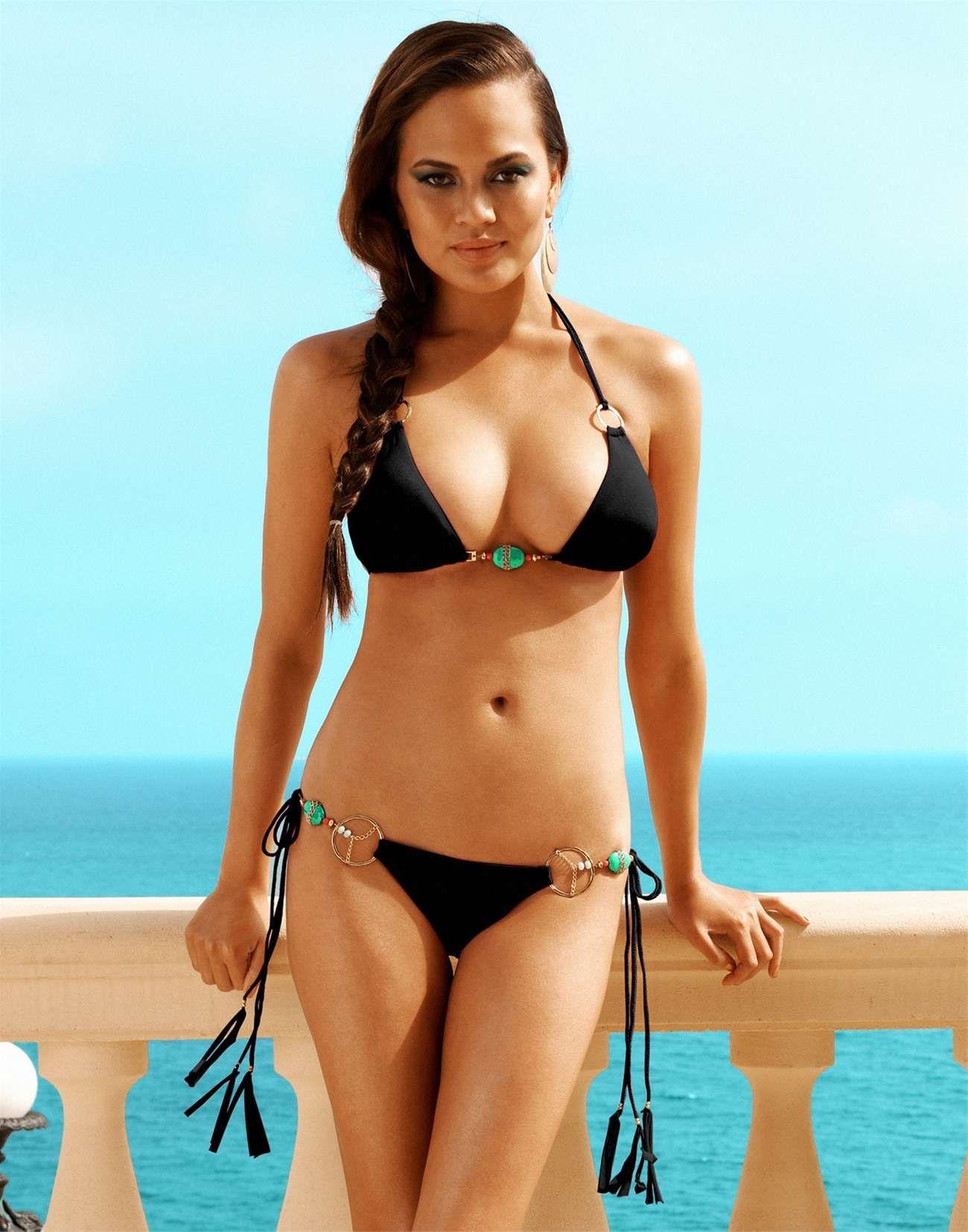 Chrissy Teigen Beach Bunny bikini -20 | Bikinis | Beach ...